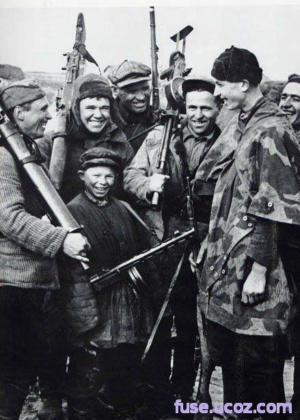 Дети и война. Подборка фотографий