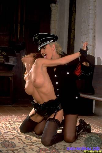 porno-devushki-nemetskoy-uniforme